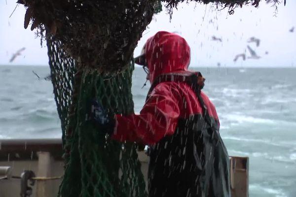 Le bars de fer se poursuit entre la France et la Grande-Bretagne sur les licences de pêche