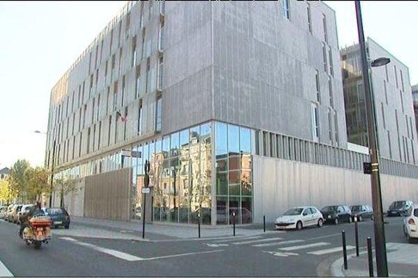 - L'Hôtel de police du Havre, boulevard de Strasbourg