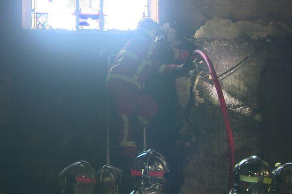 Les pompiers sont parvenus à maîtriser l'incendie