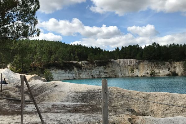 En Charente, les lacs de Guizengeard attire toujours plus de visiteurs.