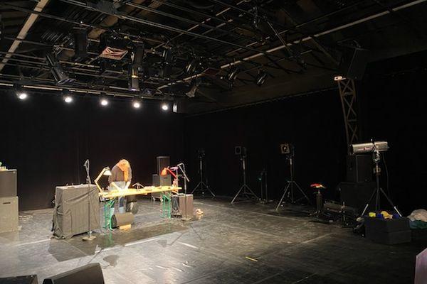 Artistes et techniciens en résidence