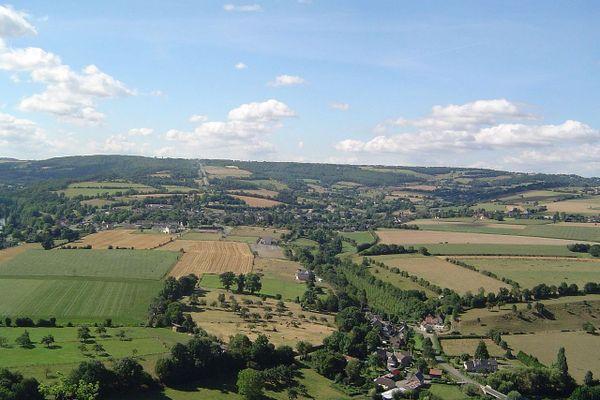 Vers Clécy, dans le Calvados, le ciel de la Suisse normande deviendra progressivement nuageux, samedi après-midi.