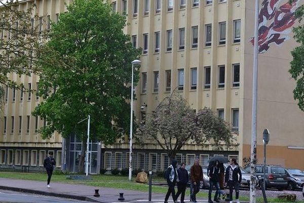 L'Université de Lorraine a indiqué qu'elle envisage d'exonérer les étudiants étrangers, qui devront payer leurs frais d'inscriptions la rentrée prochaine, en septembre 2019.