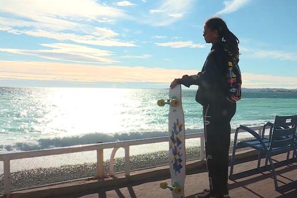 Marina Correia s'est imposée dans le milieu du longboard dancing, la niçoise a été sacrée championne du monde en janvier.