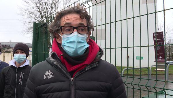 Yann Coadour, professeur d'EPS Lycée professionnel Gaston Lesnard,témoigne de l'implication d'Ivan comme élève.