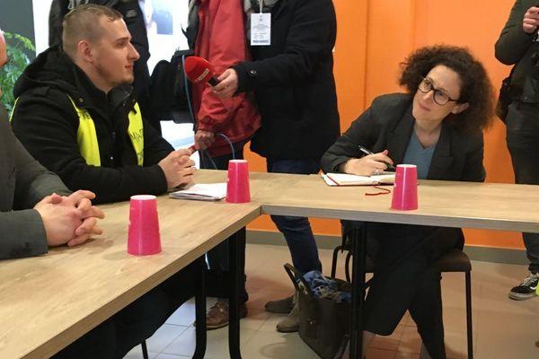 Emmanuelle Wargon, Secrétaire d'État auprès du ministre de la Transition écologique et solidaire, a reçu une délégation de 7 gilets jaunes, jeudi 7 février 2019