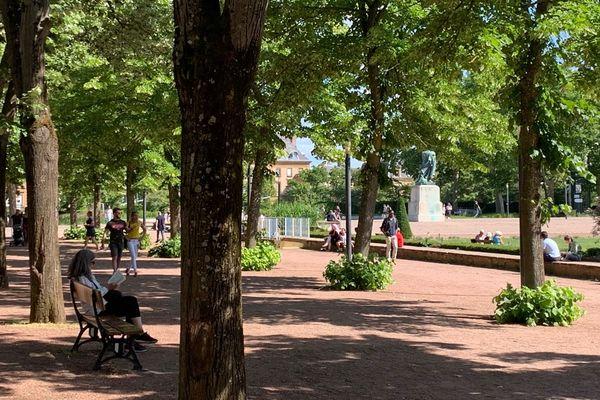 La ville de Metz a décidé vendredi 29 mai de rouvrir la quasi totalité des ses parcs et jardins après deux mois et demi de confinement dû au coronavirus