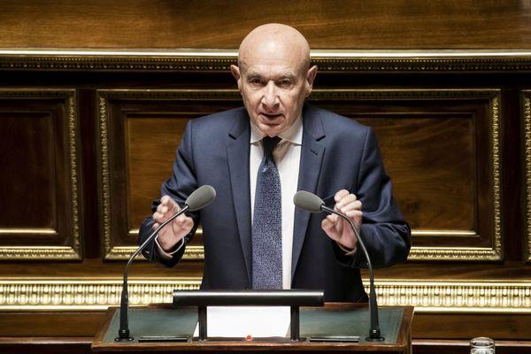 Le sénateur de l'Allier Claude Malhuret, président du groupe Les Indépendants a prononcé un discours très remarqué, mercredi 10 avril, devant le Premier Ministre.