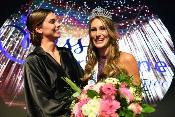 Lou-Anne Lorphelin a été sacrée Miss Bourgogne 2020 samedi 3 octobre en présence de sa soeur Marine Lorphelin qui fut Miss France 2013.