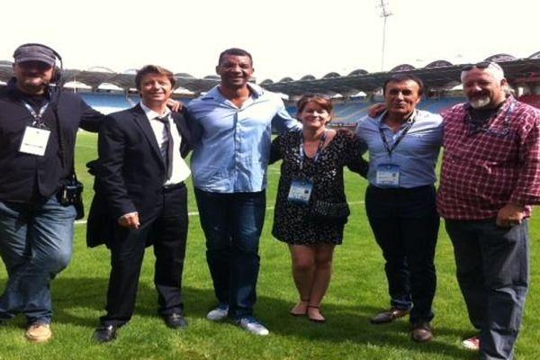 L'équipe de France Télévision qui retransmet le match, autour de l'ancien international Emile Ntamack, notre consultant