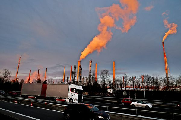 """A Feyzin (Rhône), la raffinerie Total Energie a développé ce carburant """"propre"""""""