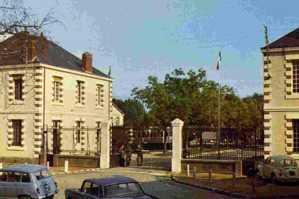 L'entrée de la caserne Mellinet dans les années 1960