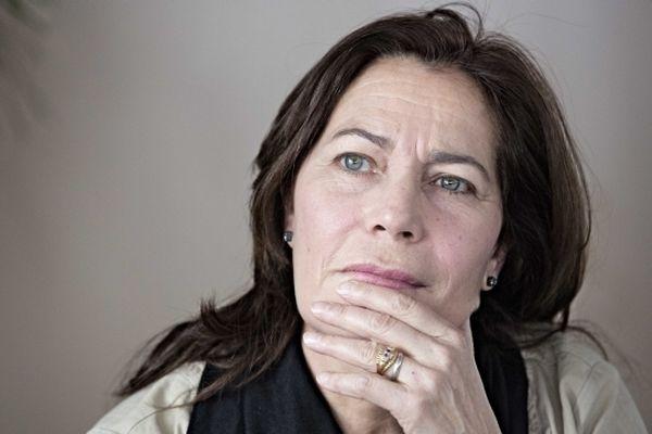 """Memona Hintermann, membre du CSA et auteur du livre """"Une vie peut en cacher une autre"""""""