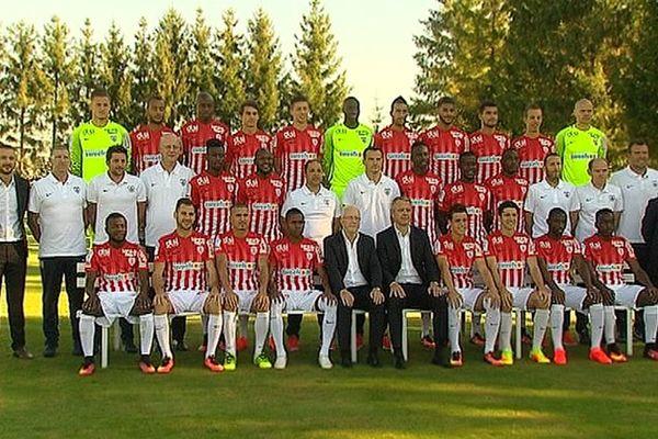 La photo non officielle du groupe rouge et blanc réalisé par notre équipe de reportage