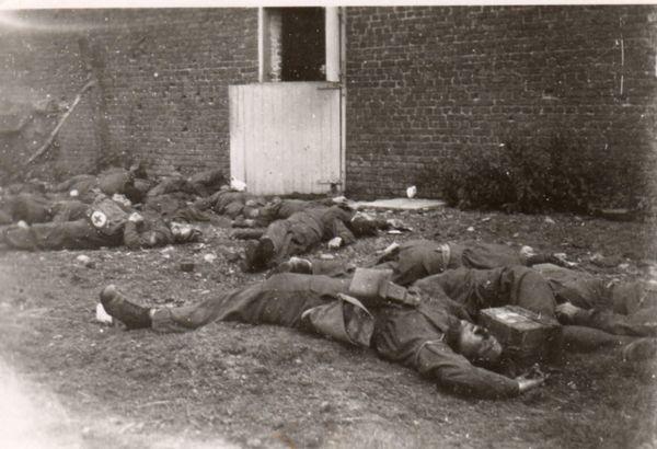 Les soldats britanniques exécutés à la ferme du Paradis, à Lestrem.