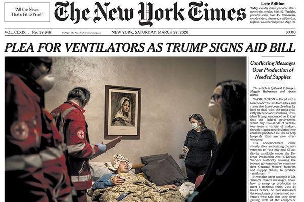 A Bergame en Italie, Fabio Bucciarelli s'est immergé avec la Croix Rouge au coeur de la pandémie, pour le New York Times.