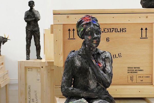 La sculptrice Cécile Raynal expose cet été au musée des Arts et Métiers de Paris.