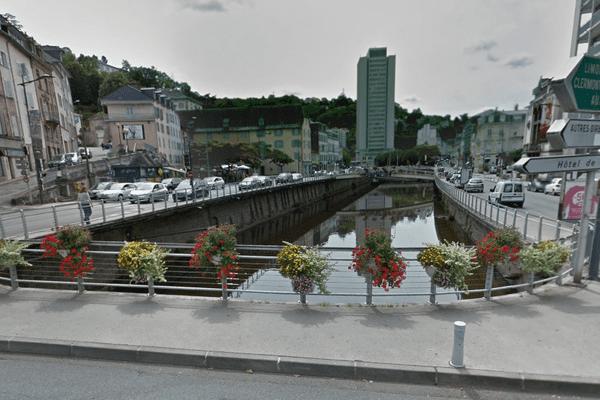 C'est au niveau du pont de l'Escurol que la Solane se déverse dans la Corrèze à Tulle par voie souterraine