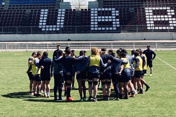 les joueurs de l'Union Bordeaux-Bègles  préparent  le quart de finale contre le Racing92