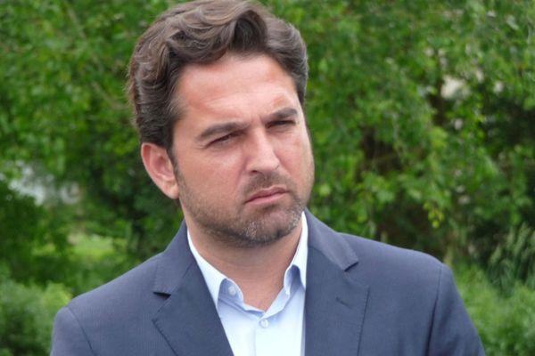 Arnaud Robinet est fermement opposé à Gérald Darmanin sur la question du cannabis.