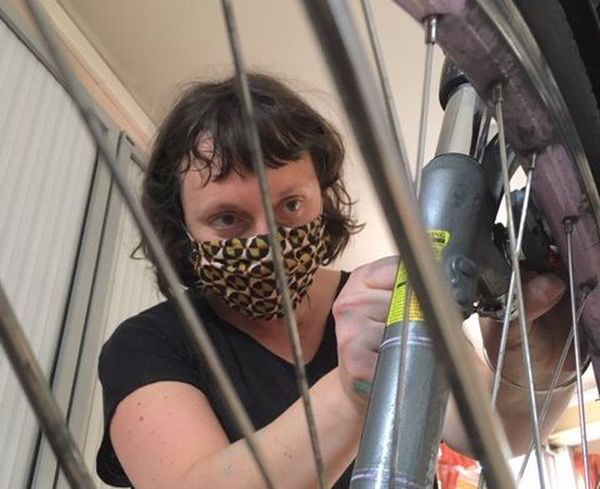 Apprendre à réparer les petits bobos des vélos