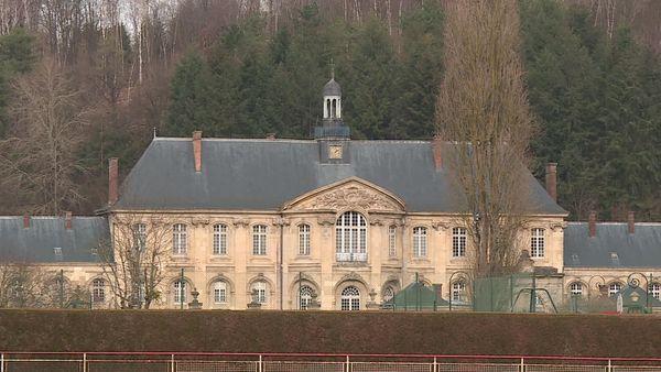 Installée au coeur d'un village de l'Aisne, l'abbaye de Prémontré est le berceau de l'ordre catholique du même nom.