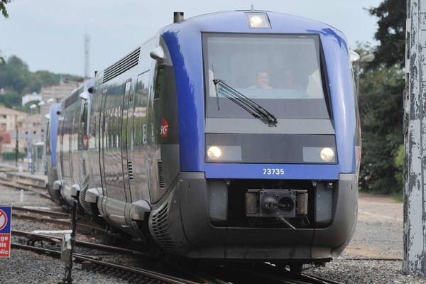 Onze conseils régionaux, dont celui d'Auvergne, tirent la sonnette d'alarme contre d'éventuelles coupes budgétaires en 2014 qui menaceraient le maintien et le développement du transport ferroviaire régional de voyageurs