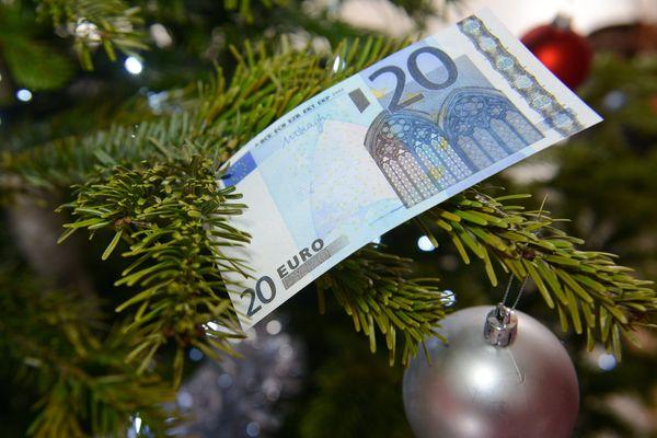 La prime de Noël sera versée à compter du 14 décembre à près de 2,3 millions de Français bénéficiaires d'allocations.