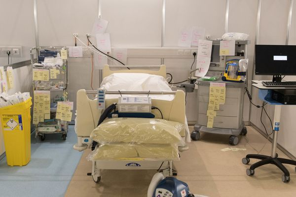Une chambre de réanimation dans un hôpital londonien
