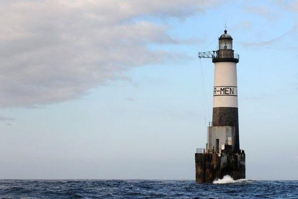 Le phare d'Ar Men près de l'île de Sein