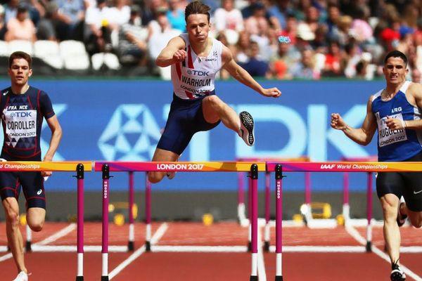 Le Rennais Victor Coroller (à gauche) se qualifie pour les 1/2 finales du 400 m haies aux championnats du monde d'athlétisme de Londres - 6/08/2017