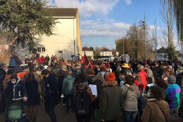 """Le rassemblement à Monéteau près du """"Silex"""" samedi après-midi 20 mars"""
