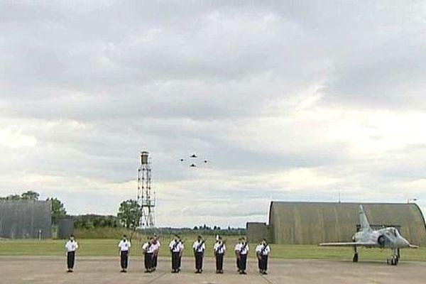 La base aérienne 102 Capitaine-Guynemer, située dans l'agglomération dijonnaise, pourrait perdre son escadron de chasse 2/2 Côte-d'Or qui vole sur des Alpha Jet