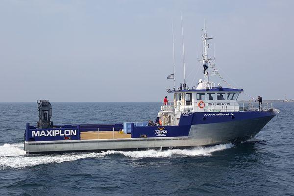 Le Maxiplon, 28,40 m de long,  bateau de transport du poisson entre l'ile d'Yeu et les Sables d'Olonne
