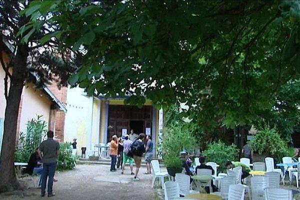 La Chapelle, le plus vieux squat de Toulouse, géré par l'Atelier Idéal