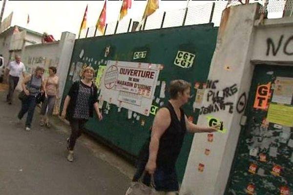 Le tribunal de commerce vient de rejeter les quatre dossiers de reprise de la Biscuiterie Jeannette. L'occupation de l'usine continue.