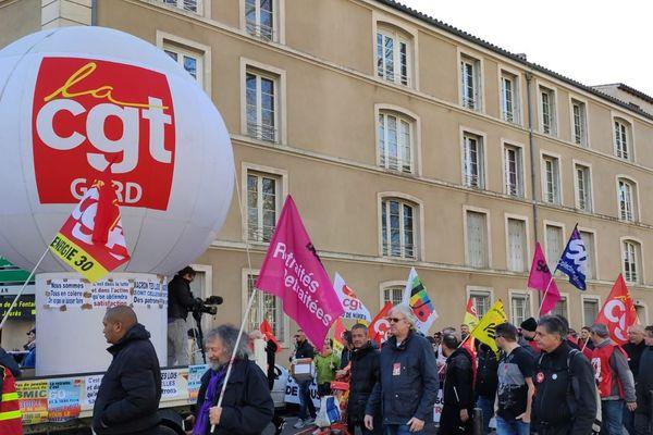 Le cortège des manifestants contre la réforme des retraites à Nîmes, ce samedi 11 janvier.