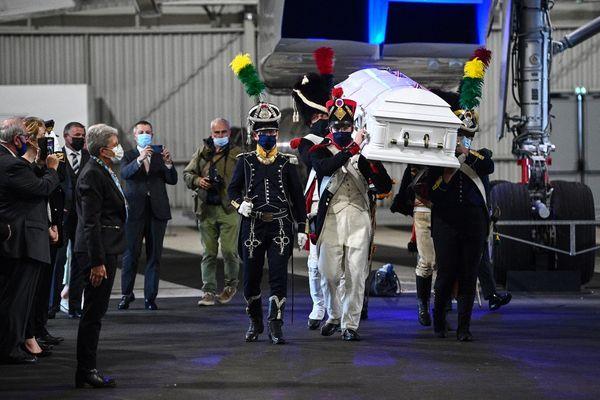 Les restes du Général Gudin sont arrivés ce mardi (13 juillet) au Bourget.