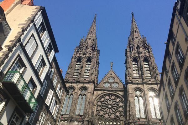 Dimanche 22 novembre, on ignore si un rassemblement religieux pourra se tenir place de la Victoire à Clermont-Ferrand.