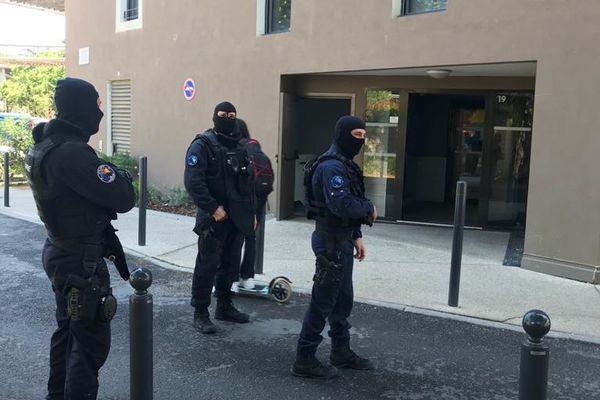 Dans le cadre d'une opération judiciaire pour trafic de stupéfiants, le GIGN intervient ce lundi 31 mai 2021 dans un bâtiment du quartier Hôpitaux-Facultés, à Montpellier (Hérault).