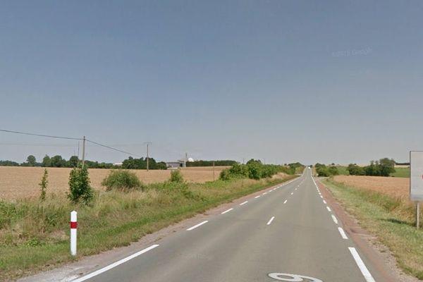 La départementale 739 entre Rochefort et Tonnay-Boutonne en Charente-Maritime