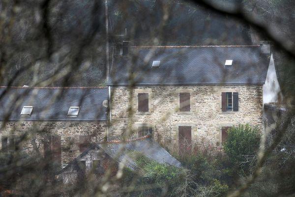 Le domicile de Lydie Troadec et de Hubert Caouissin, un vaste corps de ferme et ses 32 hectares de terrain