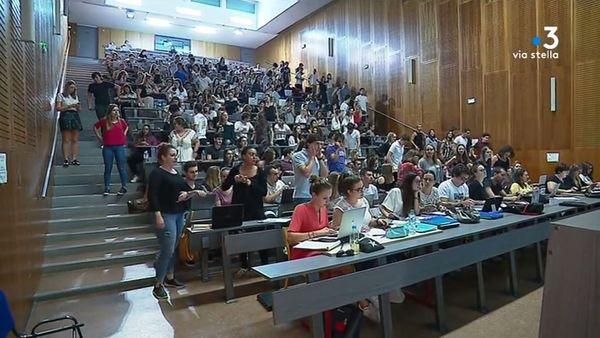 ILLUSTRATION/ Les étudiants en première année de médecine à Corte, en 2018. Avant l'épidémie.