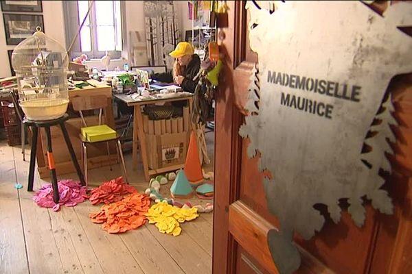 Mademoiselle Maurice, rainbori-gamiste en résidence dans l'ancien couvant Levat à Marseille.