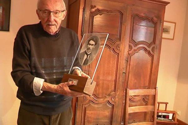 Le prix Louis-Pergaud, du nom de l'écrivain comtois autour de La Guerre des boutons, a été créé en 1953