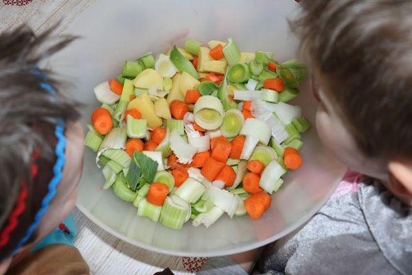 Privilégions avant tout les produits frais et locaux ou les aliments congelés.