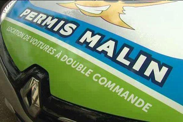 """Un véhicule du """"permis malin""""à Marseille"""