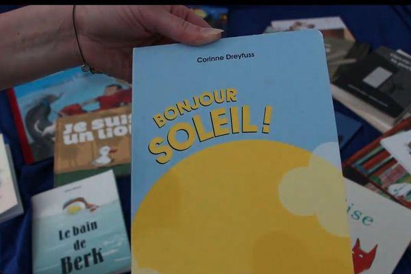 Les libraires réfléchissent à poursuivre leurs lectures pendant les vacances de Pâques.