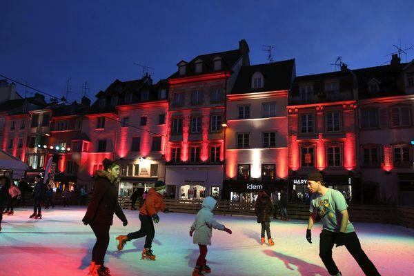 La patinoire du marché de Noël de Montbéliard en décembre 2016
