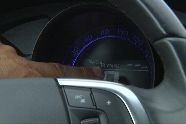 Le stage d'e-conduite permet d'utiliser toute l'électronique embarquée d'une voiture.